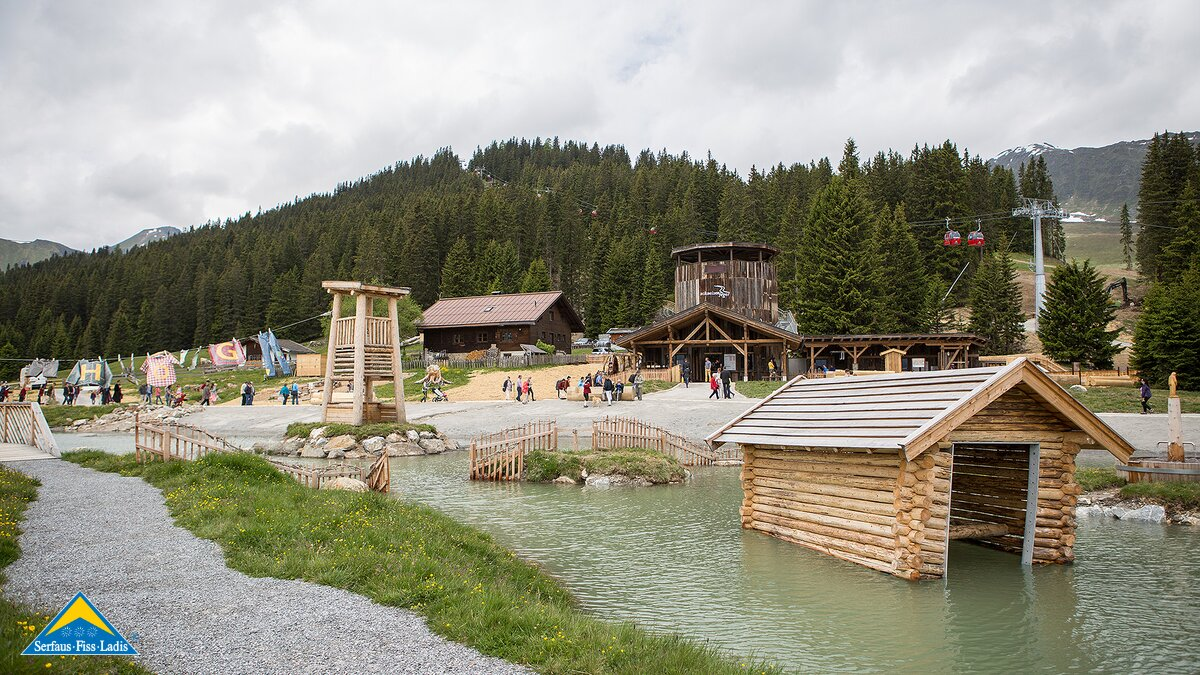 on the way through the Hög Adventure Park | © Serfaus-Fiss-Ladis/Tirol