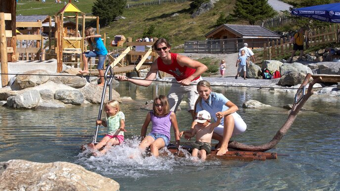 fun in the water at the Komperdell | © Serfaus-Fiss-Ladis/Tirol
