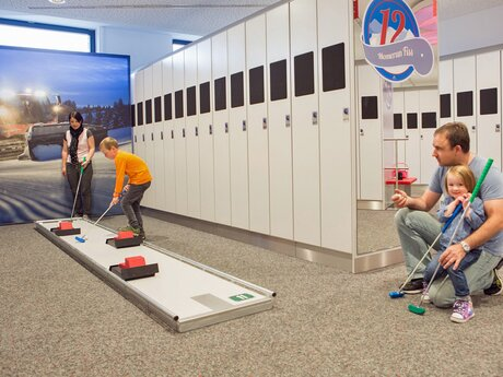 Indoor Arena Fiss - mini golf for the whole family | © Serfaus-Fiss-Ladis/Tirol