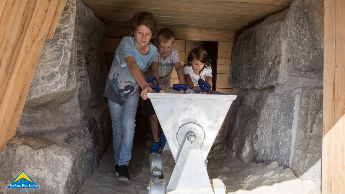 Kids are playing at the children's mine at their summer holidays in Serfaus-Fiss-Ladis in Tyrol | © Andreas Kirschner
