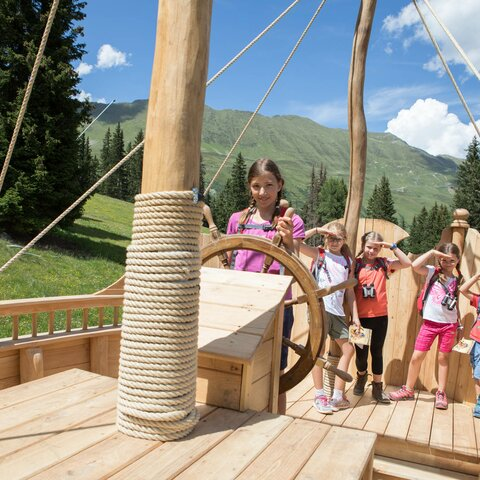 Children on the Pirate's Trail in Serfaus Fiss Ladis in Tyrol | © Andreas Kirschner