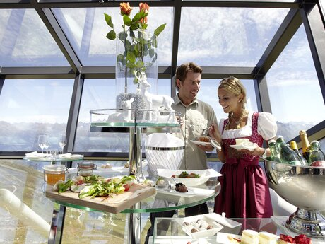 Crystal Cube Fiss - Champagne Breakfast, Luxury Lunch or High Tea | © Serfaus-Fiss-Ladis/Tirol