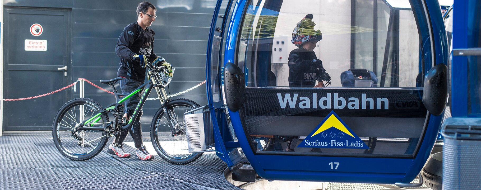 in the gondolas with the bike | © Bikepark Serfaus-Fiss-Ladis