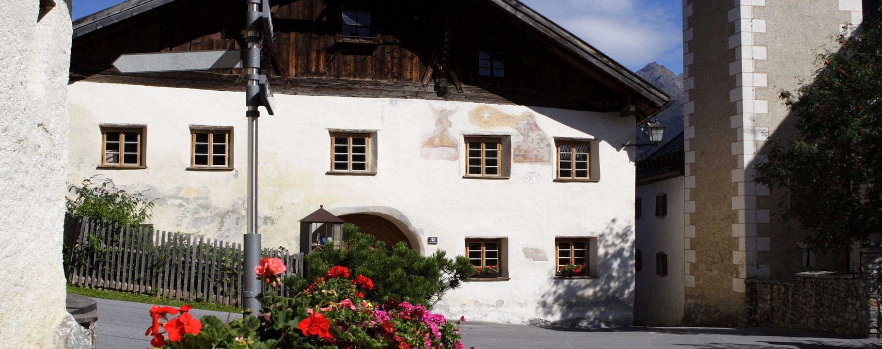 gallery at the church square in Fiss | © Serfaus-Fiss-Ladis/Tirol